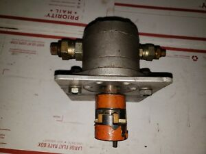 Danfoss Rotary Gear Pump With Lovejoy Coupler And Mounting Plate