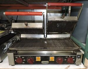 Electrolux 602113 Commercial Cast Iron Double Ribbed Panini Grill