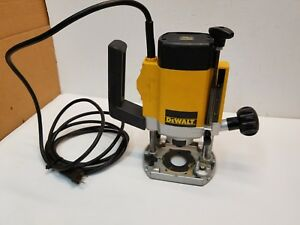 Dewalt Dw615 Electronic 1 4 Plunge Variable Speed Router 8 000 24 000 Rpm
