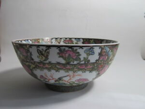 Antique Chinese Hand Painted 10 Rose Medallion Bowl Artis Signed