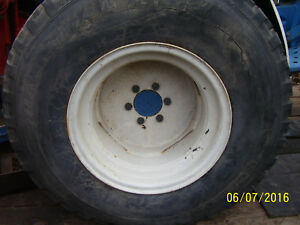 Vintage Ford 1210 Tractor 15 Rear Rims Tires 33 X 12 50 X 15 Turf