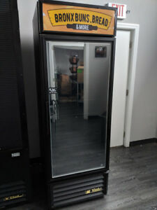 True Gdm 23f ld Freezer Swing Glass Door Merchandiser Commercial Restaurant Deli