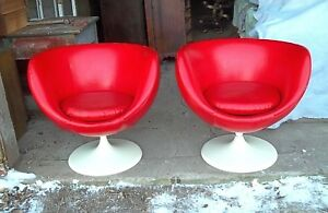 Pair Of Mid Century Modern Red Vinyl Egg Shell Space Age Swivel Tub Chairs
