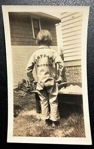 CHILD POSING HART PARR MECHANIC JUMPSUIT / COVERALLS UNIFORM ~ ORIGINAL PHOTO ~