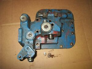 Ford 8000 8600 9000 9600 Hydraulic Pump Valve Mount Cover C9nn6871a D8nn600fa