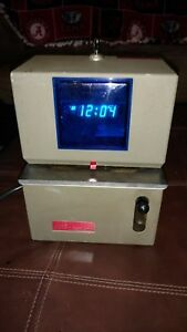 Electronic Vintage Time Clock With Key By Lathem Tested And Works
