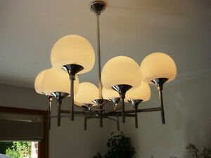 Sciolari Design 8 Opaline Glass Globes Chandelier Sputnik Spider Model Retro