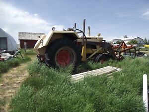 930 Case Tractor With Bale Grapple