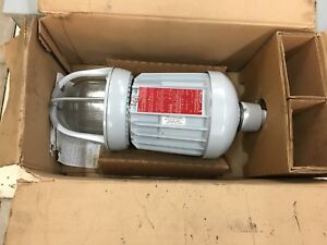New In Box Cooper Crouse hinds Hazard Gard Explosion Proof Light Evma93171 mt