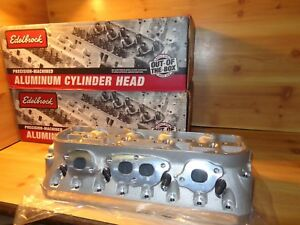 Edelbrock Chevy Small Block 350 Pro port Raw Rox Cylinder Heads Head Race 777669