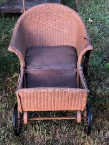 1890s Antique Baby Carriage Wicker Original Leather Strap Seatbelt Excellent