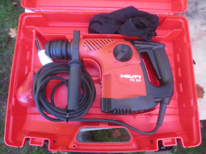 Hilti Te 30 Rotary Hammer Drill And Case Great Condition
