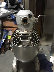 Used Hobart 20 Qt Mixer With Bowl Paddle Timer And Bowl Guard A200t 115v