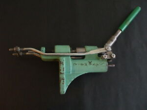 RCBS LUBE A MATIC RELOADING EQUIPMENT PRESS