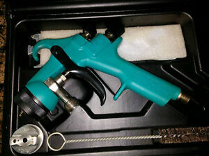 Binks Mach 1 Featherlite Pressure Paint Spray Gun