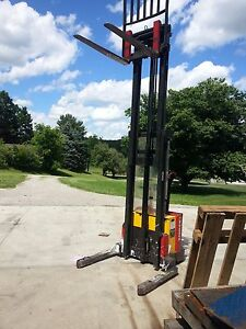 Raymond Electric Walkie Stacker Pallet Jack Forklift With Side Shift Truck Ohio