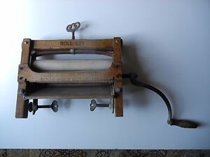 Early 20th Century Roll Ezy No 215 Wood Cast Iron Washing Machine Wringer