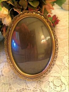 Vintage Oval Picture Frame Gold Filigree Trim Red Felt Backing 7