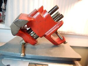 Vtg 3 lb 2 7 16 wide Unmarked Mfg usa Small Heavy Duty Clamp on Vise W pipe Jaw