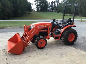 only 7 Hours 2014 Kubota B2650 4x4 Front End Loader Tractor