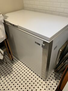 Summit Scff120 Frost free Commercial Chest Freezer