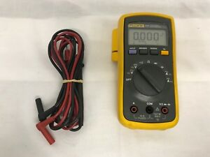 Fluke Meter With Leads 111 Series
