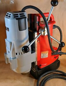 Milwaukee Core Drill Press 4208 1 4203 4297 1 12 5 Amp Electromagnetic Press