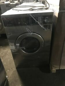 Speed Queen Sc30bc2 Washer extractor 30lb Coin 220v 1 Ph Reconditioned