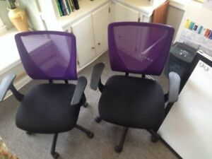 Purple Mesh Chairs With Memory Foam Seats Very Comfortable Excellent Condition