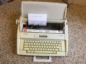 Brother Ml300 Electronic Display Daisy Wheel Dictionary Typewriter Working Great
