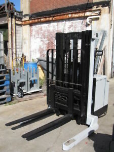 Crown 40wtt Walk Behind Forklift Straddle Walkie Stacker 154 Lift S s Low Mast
