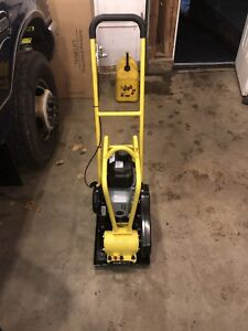 Never Used Esi Ecv40h Plate Compactor