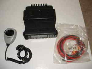 Motorola Mcs2000 Iii Radio 160ch Gmrs Mobile 450 512mhz Uhf Complete Package