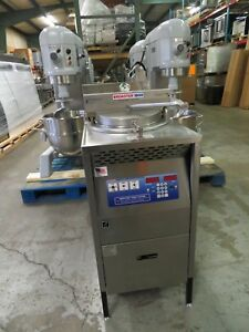 Broaster Company Commercial Pressure Deep Fryer Model 1800e Electric 240 3ph