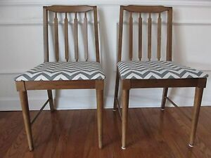 Vintage Set Of 2 Kroehler Danish Modern Dining Chairs With Chevron Seats