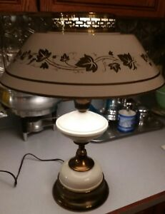 Vintage Off White Brass Mid Century Modern Tole Table Desk Lamp
