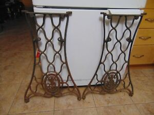 Vintage Sewing Machine Base Stand Legs Nice 6407