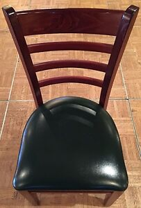 Lot Of 20 Wood Frame Ladder Back Restaurant Chair W Dark Green Vinyl Seat