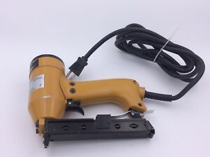 Bostitch Cr1000e 9 Amp 9 16 inch To 1 1 2 inch 20 Gauge 3 16 Electric Stapler