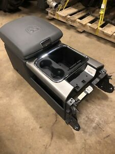 Oem 13 18 Dodge Ram 1500 2500 3500 4500 Gray Center Console With Usb Aux Sd