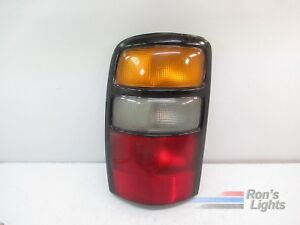 2003 2006 Chevy Suburban Tail Light Oem Lh Driver Pre Owned