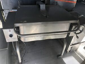 Groen 30 Gal Tilt Skillet Braising Pan Electric