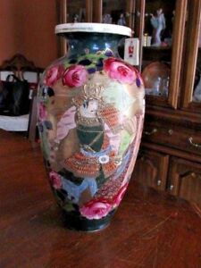 Antique Large Satsuma Vase Two Samurai Warriors Hibiscus Roses