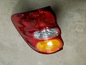 2001 2002 2003 2004 Toyota Sequoia Left Lh Driver Side Taillight Taillamp