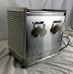 New Old Stock Crathco D25 Double Refrigerated Beverage Dispenser no Accessories