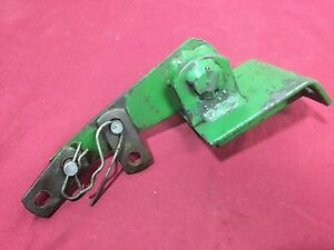 John Deere Flat Fender Bracket Assembly