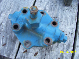 Vintage Ford 1210 3 Cyl Diesel Tractor 3 Point Lift Piston Cover