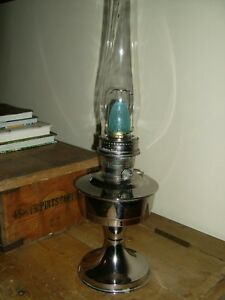 Aladdin 23 Oil Lamp Great Condition With New Loxon Mantle And Chimney