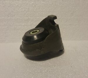 Deutz Mounting Foot W rubber 912 913 914 2012 1013 1012