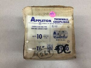 New In Box Of 10 Appleton Thinwall 1 1 2 Couplings 95t150